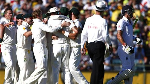 Australia celebrate the wicket of Kevin Pietersen (Reuters)