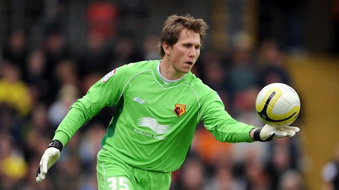 Tomasz Kuszczak has signed for Brighton on a two-year deal