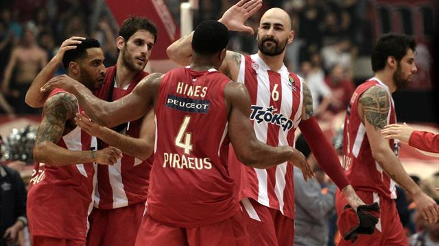 Basketball - Olympiakos storm past Madrid to retain Euroleague title