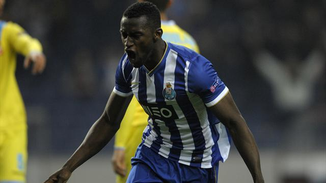 European Football - Martinez scores two more in Porto win