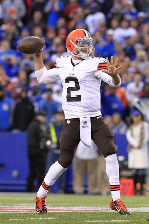 Cleveland Browns quarterback Johnny Manziel (2) throws a pass during the second half of an NFL football game against the Buffalo Bills, Sunday, Nov. 30, 2014, in Orchard Park, N.Y. (AP Photo/Bill Wipp