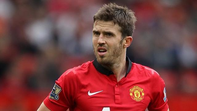 Premier League - Carrick signs new deal to underline value to Man United