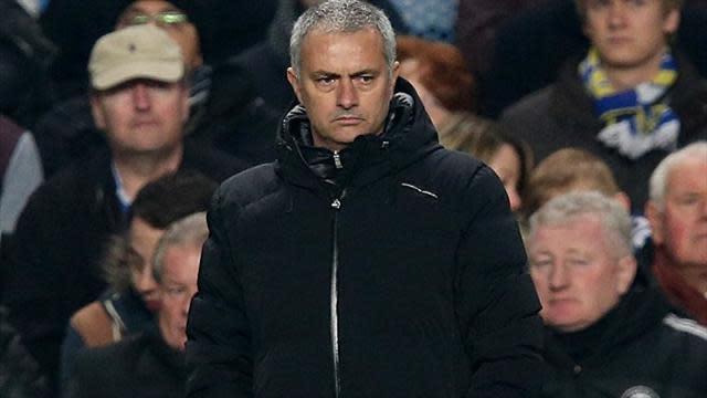 Premier League - Mourinho plays down Rooney speculation