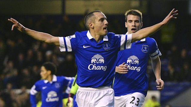Leon Osman celebrates scoring for Everton against Fulham (Reuters)