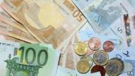 انخفض اليورو الى ادنى سعر له منذ عام 2010