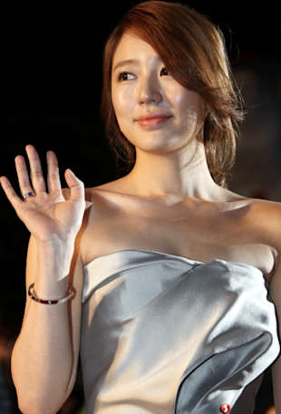 Yoon Eun Hye has won many acting awards. (Photo by Sport Korea)