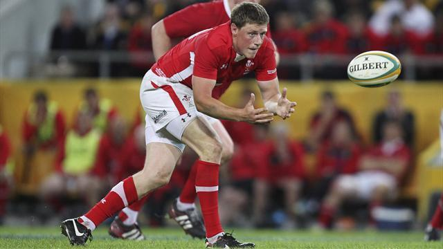 Six Nations - Wales fly-half Priestland to miss Six Nations