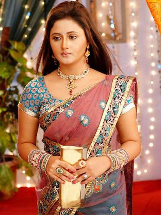 Images via : iDiva.com Rashmi Desai (Tapasya) : Rashmi Desai shot to fame by playing Tapasya in the serial Uttaran. While the actress has a pretty face, her styling could have been much better. We wis