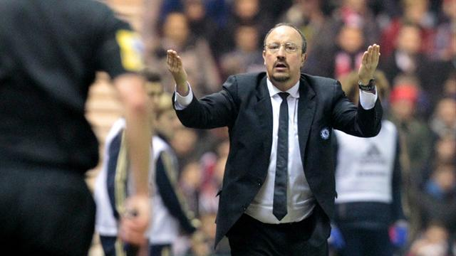 Premier League - Fuming Benitez rants at fans, to leave Chelsea at end of season