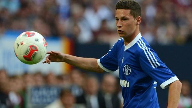 Bundesliga - Talented teenager Draxler extends Schalke deal