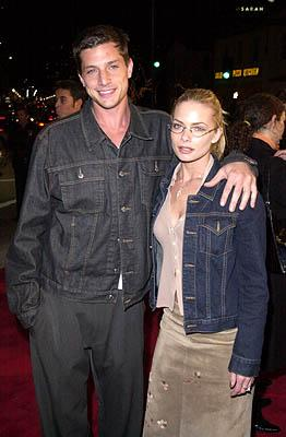 Premiere: Simon Rex and Jaime Pressly at the Mann Village Theater premiere of Columbia's Saving Silverman - 2/7/2001