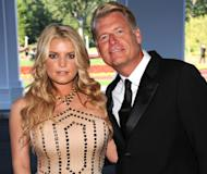 Jessica Simpson and Joe Simpson attend the grand opening of the Casino Club in White Sulphur Springs, West Virginia on July 2, 2010 -- Getty Images