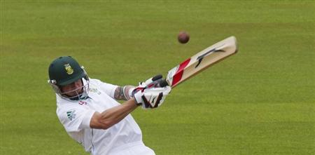 Steyn recovering from fractured rib