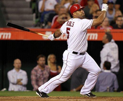 Morales' pinch hit lifts Angels over Royals 6-3
