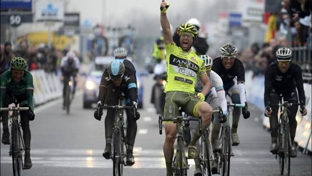Cycling - Gatto wins Dwars door Vlaanderen