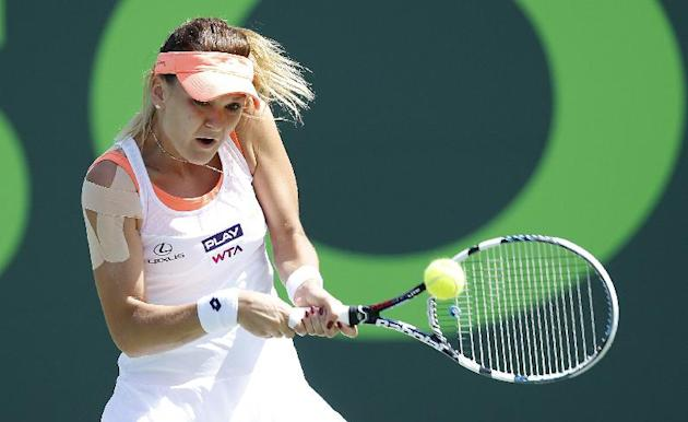 Sharapova advances to Stuttgart quarterfinals