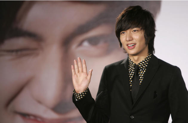 In this Dec. 14, 2009 photo, South Korean actor Lee Min-ho poses for media in Taipei, Taiwan.  Lee, who shot to fame in Asia for his role in the 2009 hit television drama
