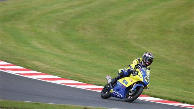 Superbikes - Cadwell BSB: Francis steals tight Motostar victory