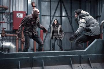 Andrew B. Stehlin , Amber Sainsbury and Josh Hartnett in Columbia Pictures' 30 Days of Night