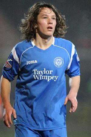 Stevie May has commited his future to St Johnstone by signing a one-year contract extension