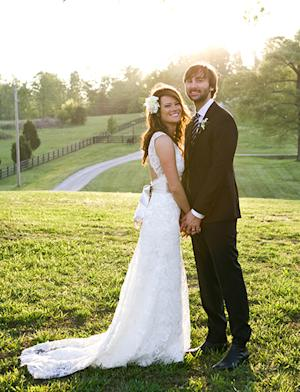 See Dave Haywood and Kelli Cashiola's Romantic Wedding Portrait!