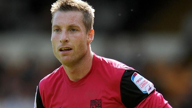 League Two - Southend striker Harris calls time on career