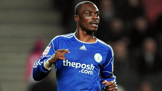 Football - Zakuani rejects new deal