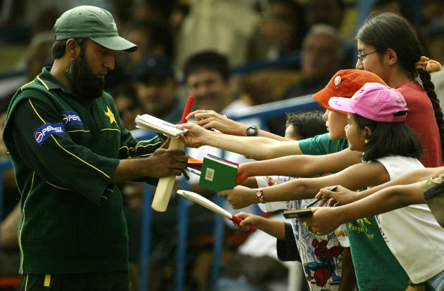 Saeed Anwar signs autographs