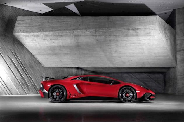 Lamborghini Aventador SuperVeloce Priced To Keep You Away: Video