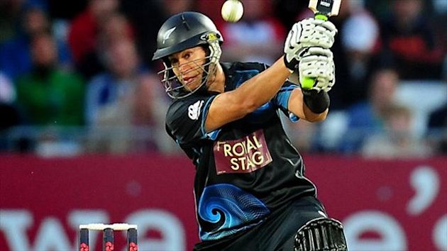 Ross Taylor struck 112 not out to help New Zealand clinch an ODI series win over India.