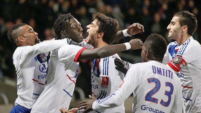 Ligue 1 - Gomis fires Lyon clear at the top
