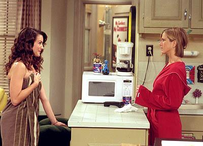 """Kristin Davis and Jennifer Aniston in """"The One With Ross' Library Book"""" in NBC's Friends"""