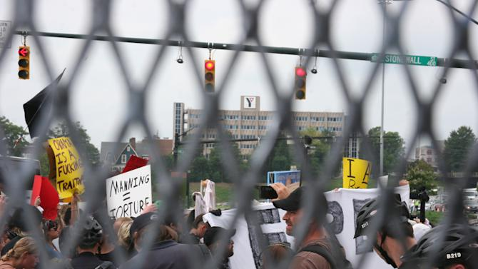 """Protesters flood the streets near the media filing center for the Democratic National Convention on Tuesday Sept. 4, 2012. One protester yelled,""""You guys have the same supporters for both parties!"""" (Torrey AndersonSchoepe/Yahoo! News)"""