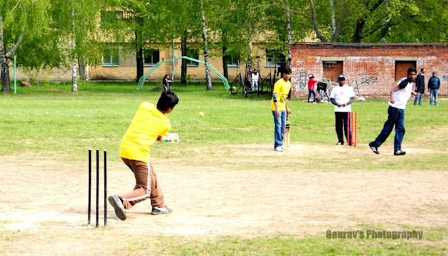 5 - Cricket in  Russia (Kazan) - Vinayak Mehetre - https://www.flickr.com/people/786512/
