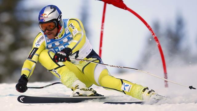 Alpine Skiing - Svindal fastest in Lake Louise as Albrecht crashes