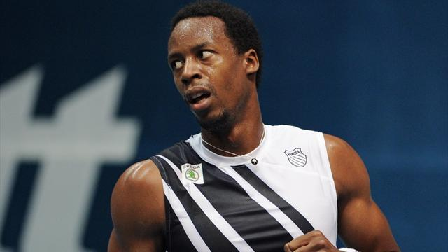 Tennis - Struggling Monfils splits from coach Chamagne