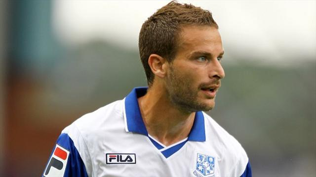 Football - Foster leaves Rovers
