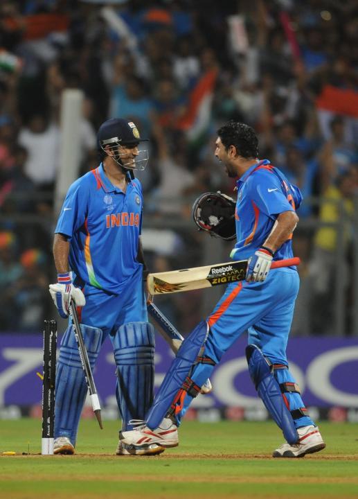 [CYCTM] Indian batsman Yuvraj Singh (R) and Mahe
