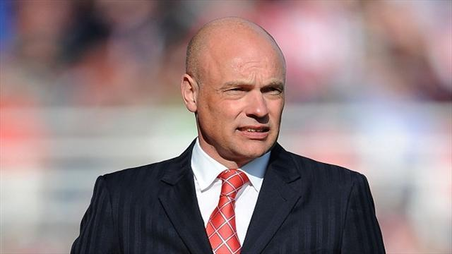 Football - Rosler rounds on referee