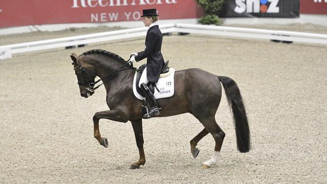 Equestrian - Langehanenberg wins in German one-two-three