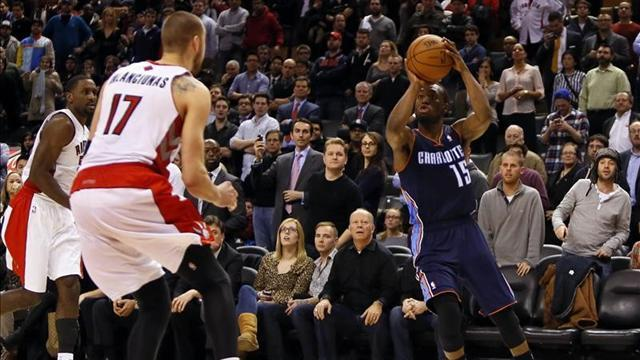 NBA - Bobcats guard Walker out with ankle injury
