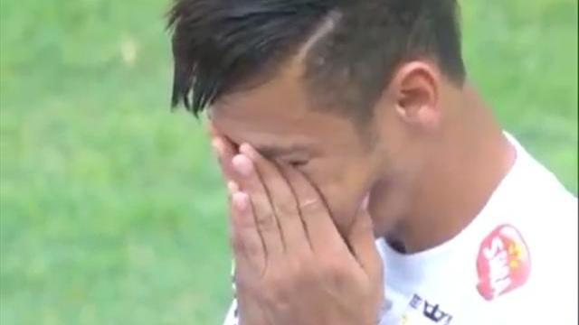 South American Football - Neymar booed by rivals at last game for Santos