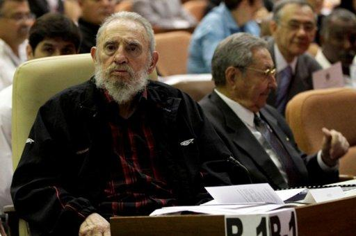Cuban ex-president Fidel Castro (left) sits next to his brother and current president, Raul, as Cuba's new National Assembly meets at the Conventions Palace in Havana on February 24, 2013. Fidel Castro and the Cuban communist party have given the green light for reforms paving the way for a new, younger generation of leaders in the single-party state, state media said Monday.