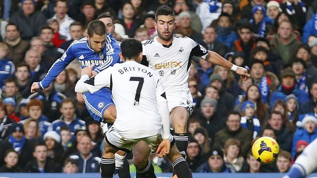 Premier League - Hazard on target as Chelsea see off Swansea