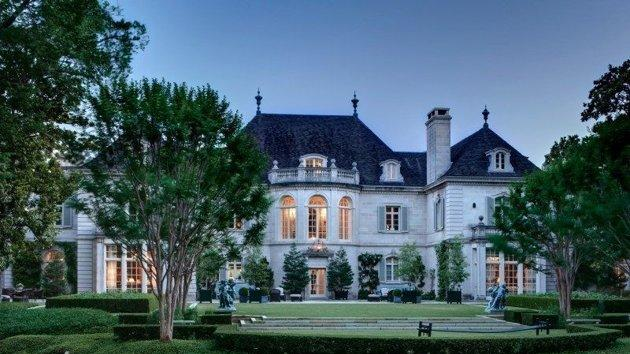 Crespi Hicks estate lists for $135 million