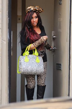 Nicole 'Snooki' Polizzi films a scene of her 'Jersey Shore' spinoff reality show at her apartment on March 7, 2012 -- Getty Images