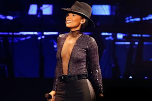 Alicia Keys Spreads Love, Brings Kendrick Lamar Onstage in L.A