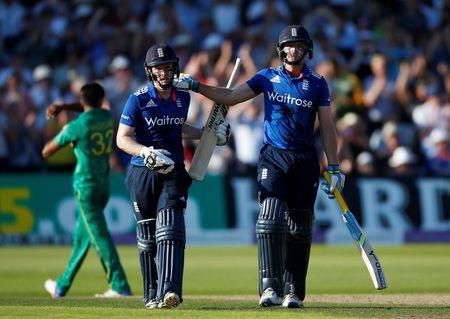 England v Pakistan - Third One Day International