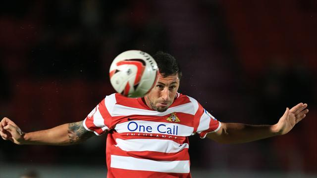 Football - Convincing win for leaders Doncaster