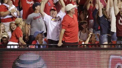 Wong walkoff HR gives Cards 5-4 win over Pirates